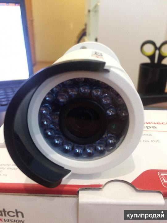 Цилиндрическая IP-камера HIWanch DS-l120 4mm