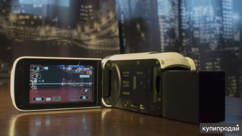 Видеокамера Canon Legria HF R606+доп батарея+сумка