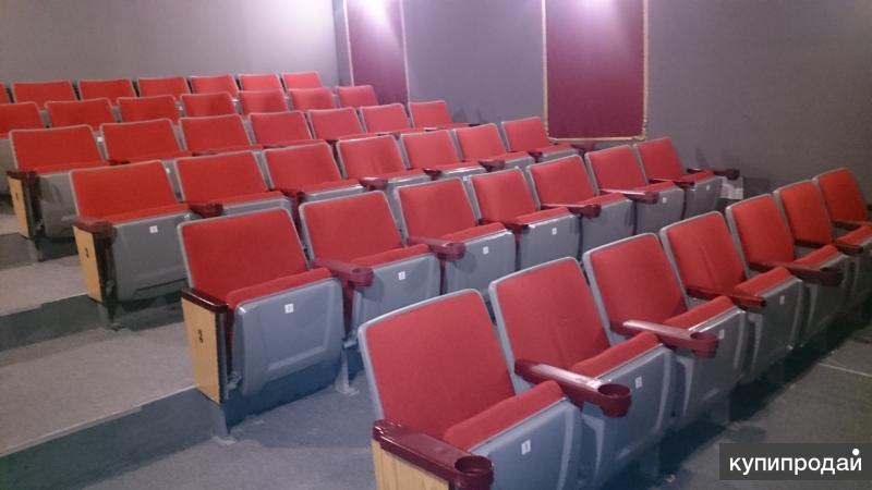 Кинотеатральные кресла и материал для амфитеатра