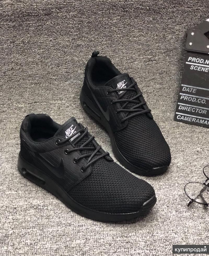 Новые кроссовки Nike 40-41 размера