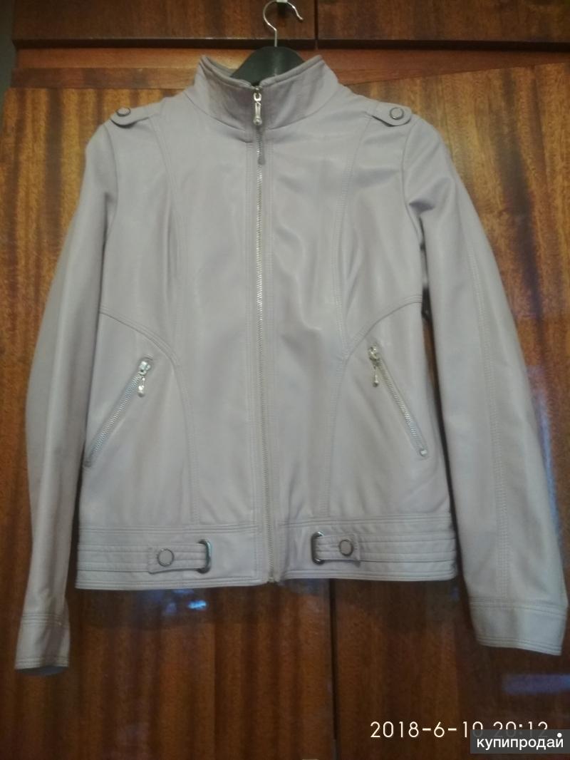 Новая куртка 44-46 размера демисезонная иск.кожа