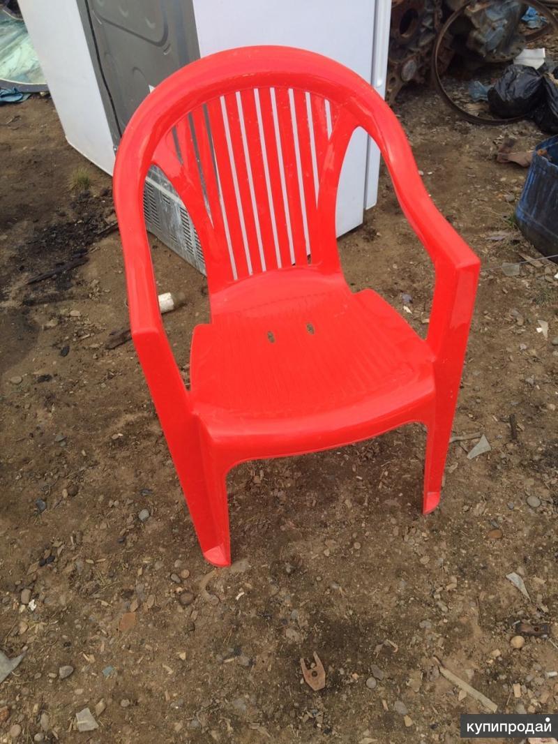 Продаю пластиковые стулья, цена 450р