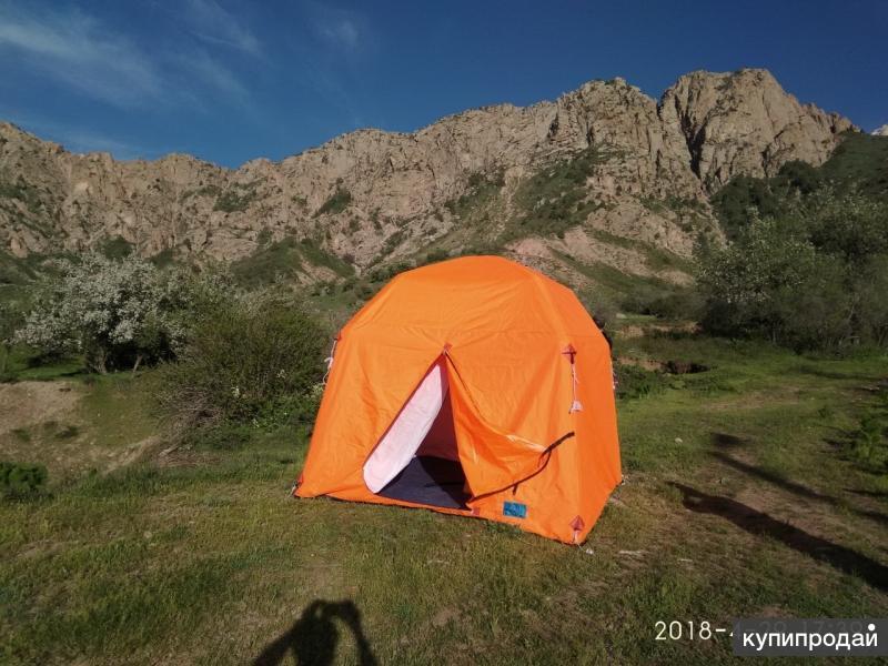 Продам туристическую надувную палатку