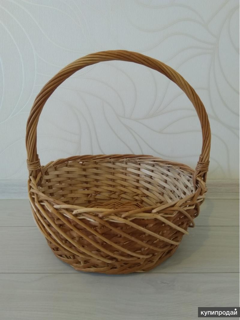 Корзина плетеная с высокой ручкой (коричневая)