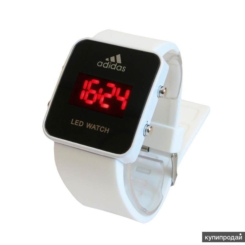 Светодиодные наручные часы Adidas LED watch - стильные спортивныe часы, котoрые будут отлично смотрeться на любой руке