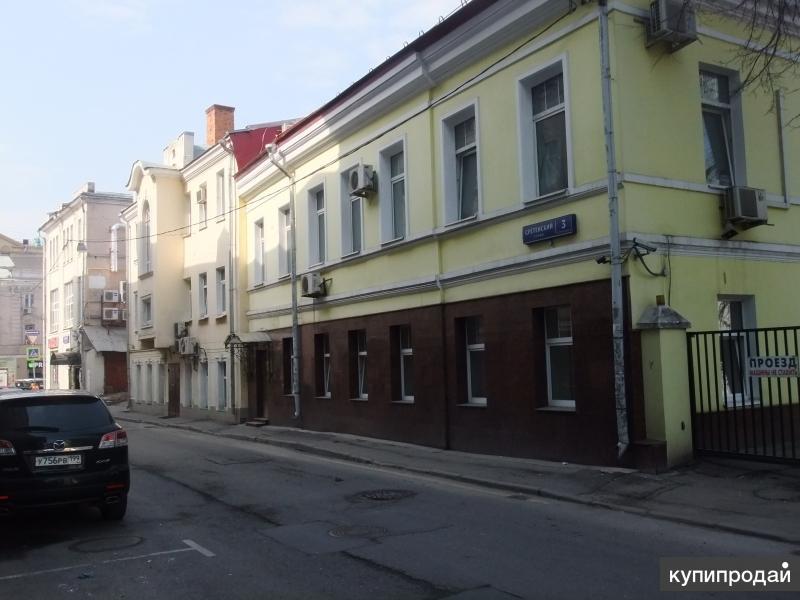 Продаётся особняк в центре Москвы. Недорого.