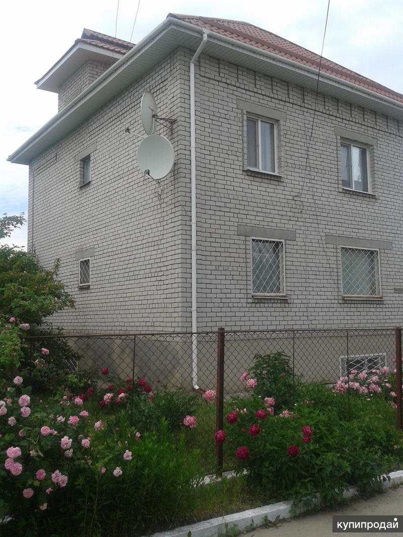 Продам 3-эт. кирпичный дом г. Кременчуг, Полтавская обл., Украина