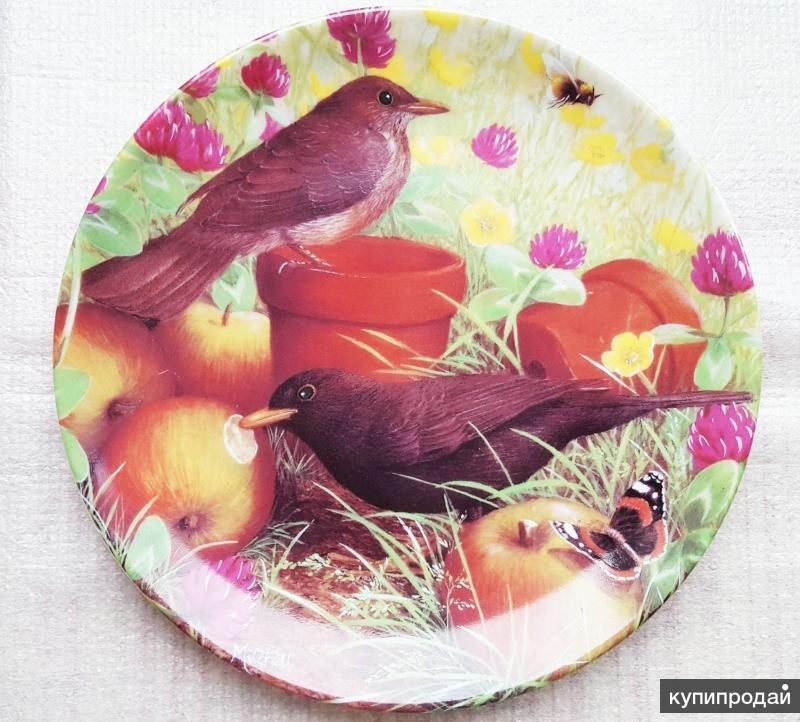 Coalport Bird Plate Fruit Feast, Garden Visitors Series Danbury Mint