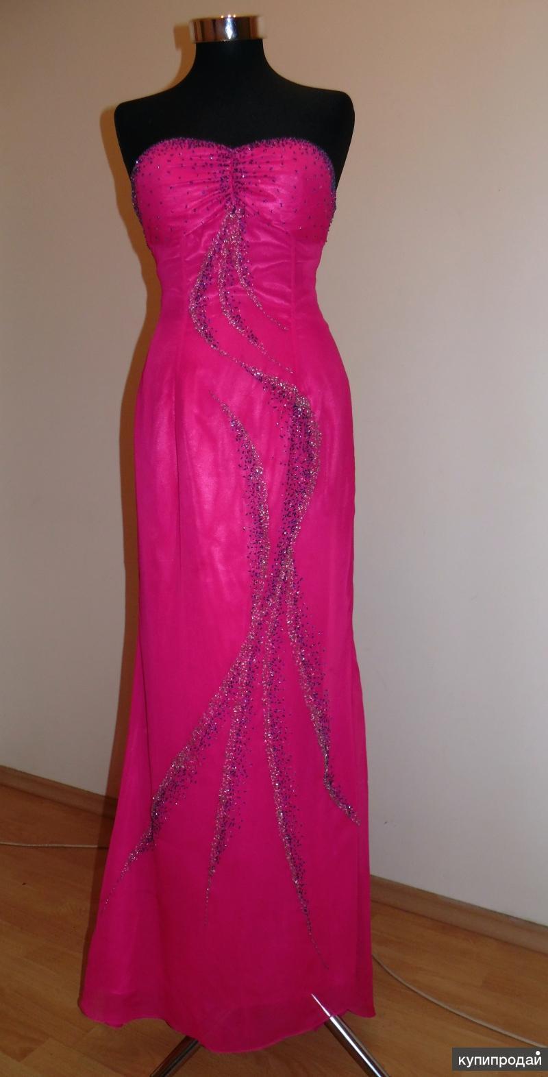 Розовое дизайнерское вечернее платье
