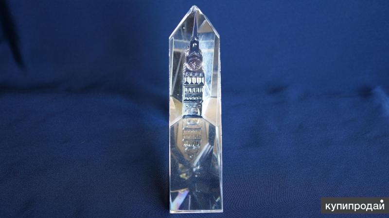 Декоративная инталия из горного хрусталя с изображением Боровицкой башни. СССР