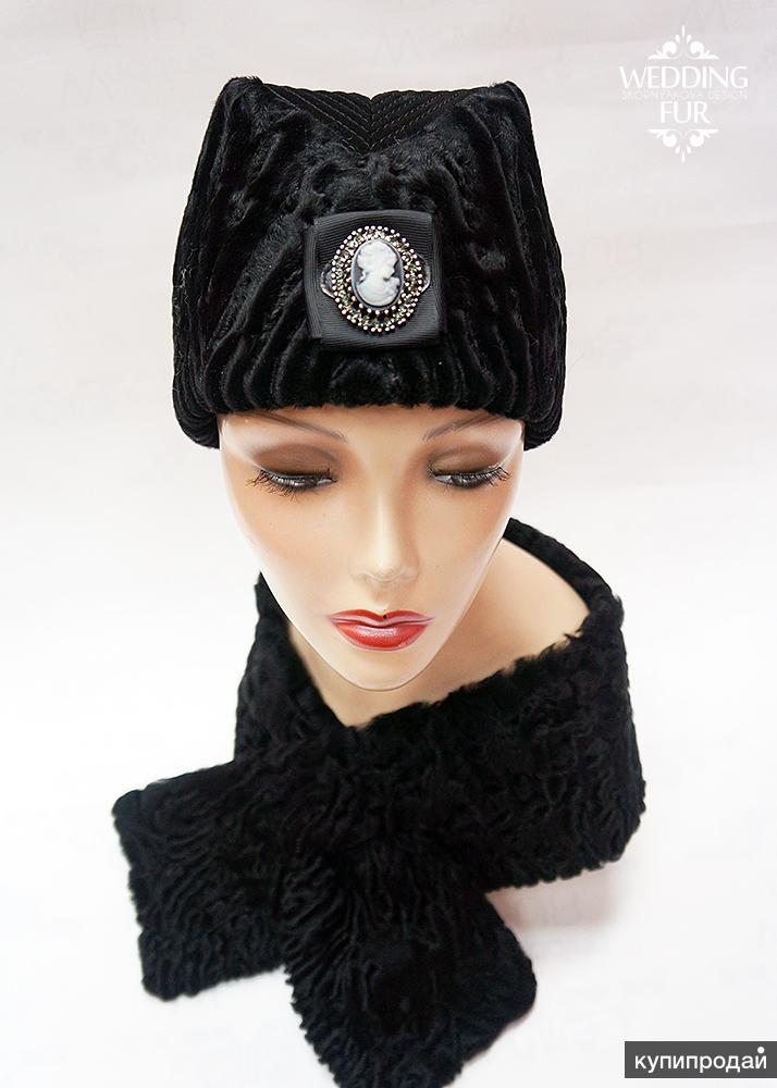 Модные меховые шапки из каракуля