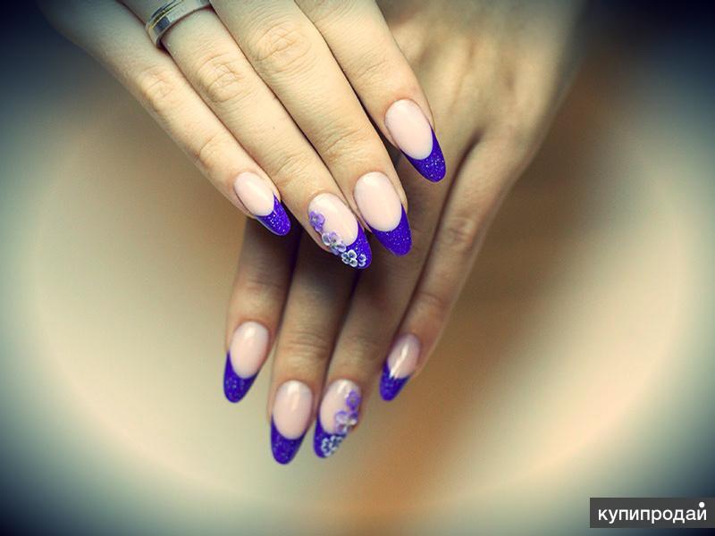 Цветной французский маникюр на овальных ногтях