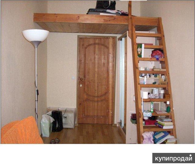Второй этаж в комнате