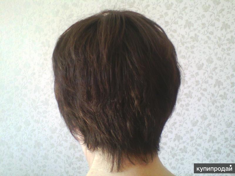 Современный женский парик.