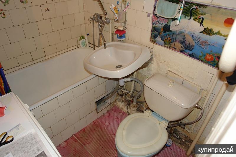 простой дизайн ванной комнаты и туалета фото - Фотографии