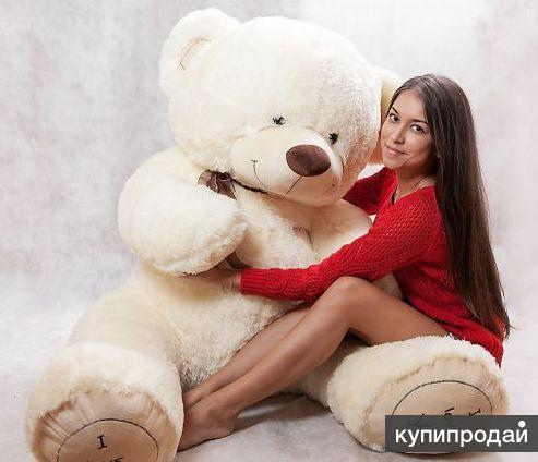 foto-devushki-s-plyushevimi-igrushkami