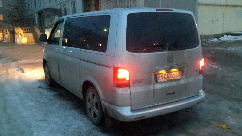 VW Multivan 2010 2.0 tdi