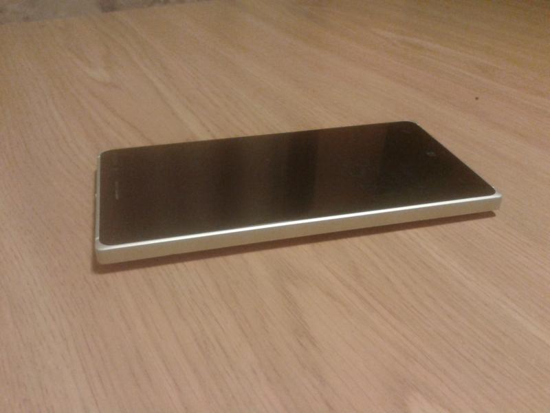 Продам Nokia Lumia 830
