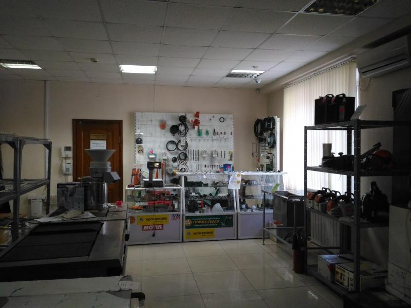Продажа офисного с торговым залом