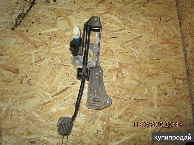 Педаль тормоза в сборе Ford Focus II 05-08
