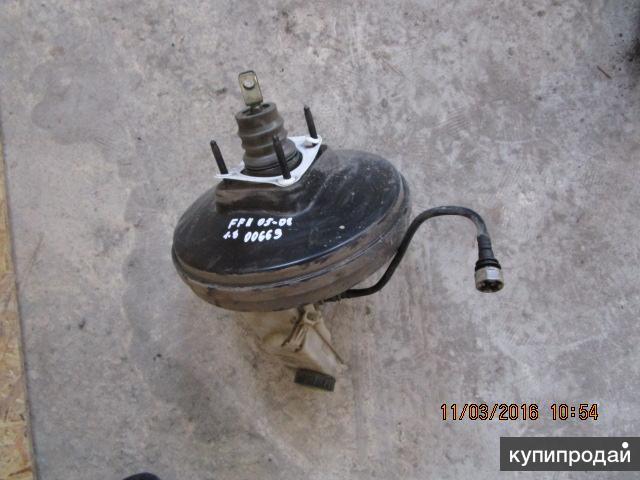 Усилитель тормозов вакуумный с тормозным цилиндром и бачком Ford Focus II 1.8 05