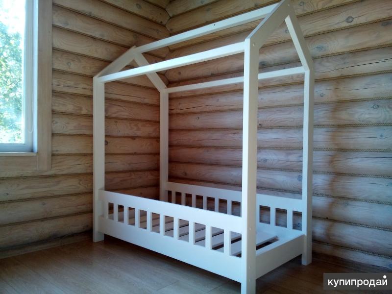 Кровать домик из массива сосны