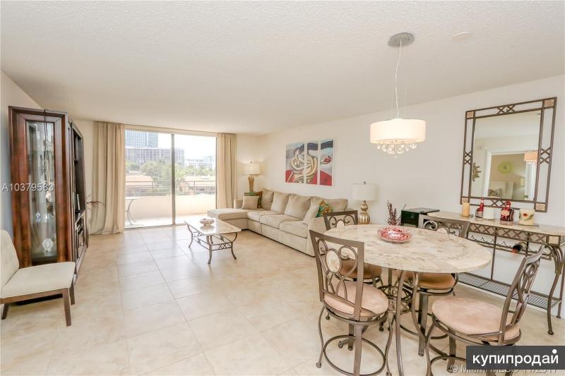 Продается прекрасная квартира на 3-м этаже  в Майами, Халландейл
