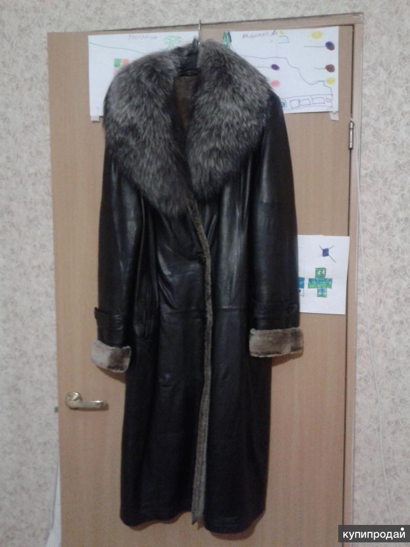 Продаю очень красивое кожаное пальто