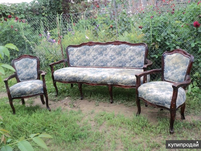 Набор 19 века диван и 2 кресла