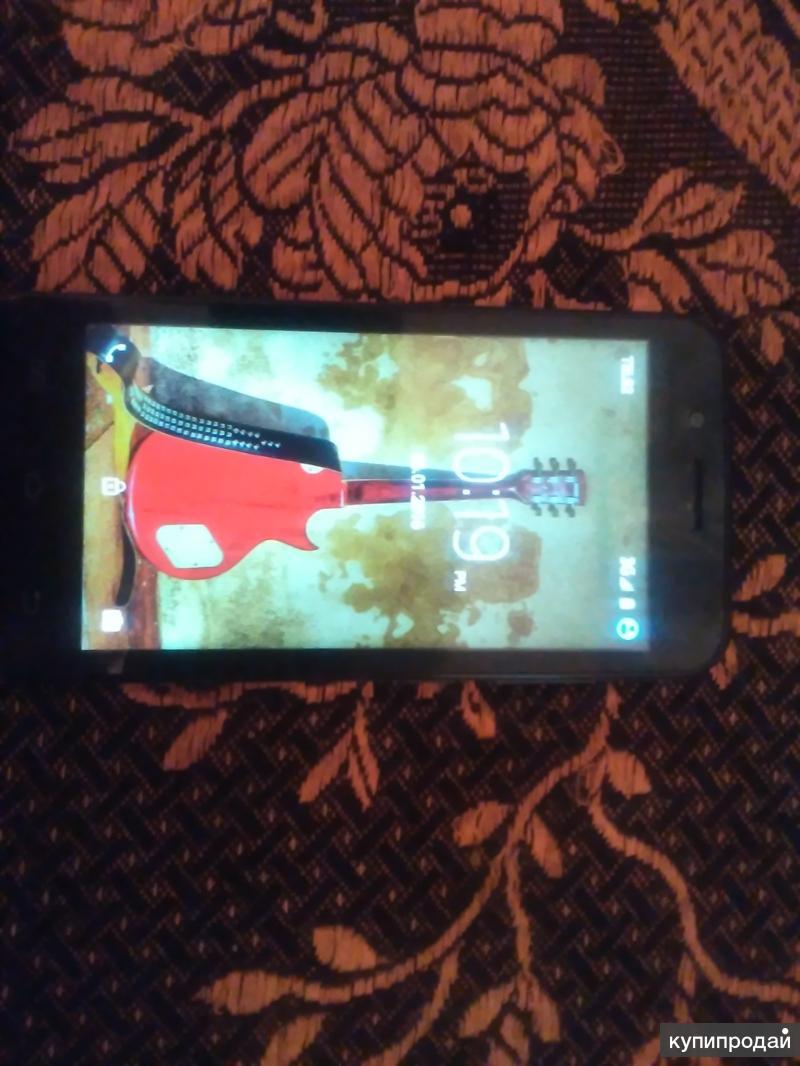 телефон Jinga Basco Neo (черный)