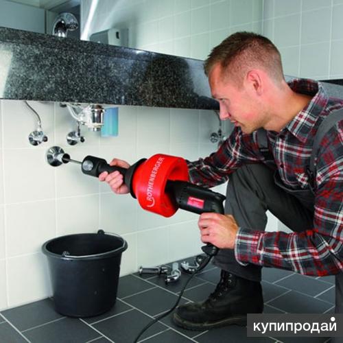 Застаивается вода в раковине или ванне Идёт запах Нужна прочистка труб