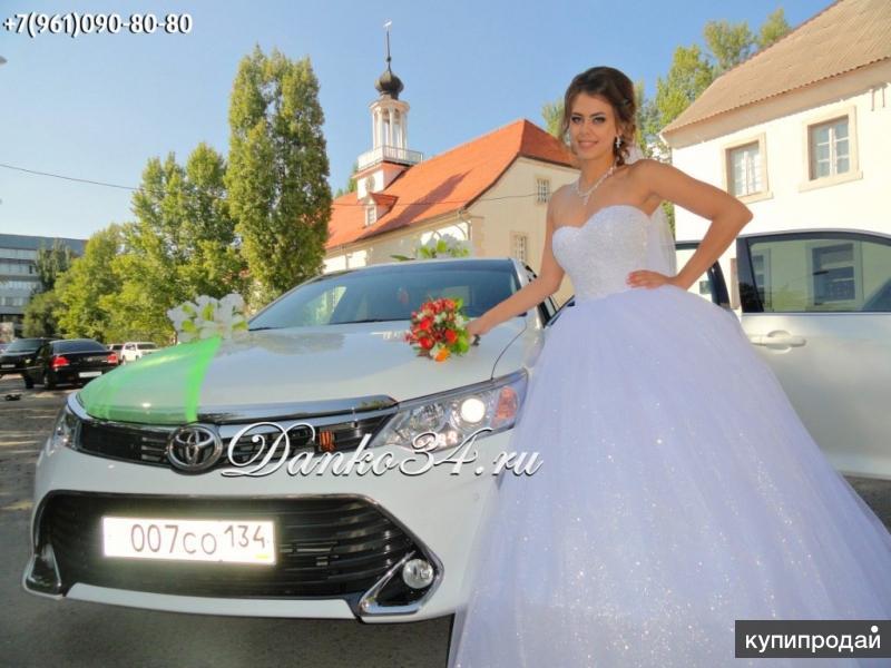 Аренда Toyota Camry на свадьбу. Автомобили для кортежа и украшения для машин.