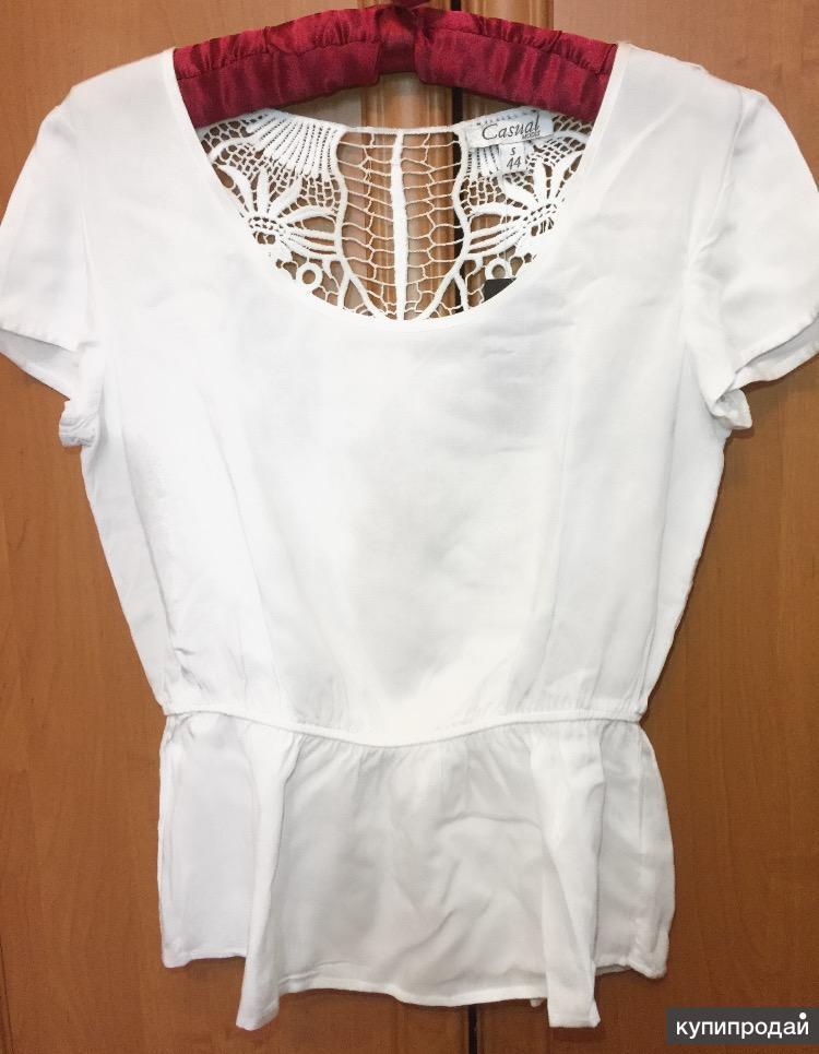 Белая блузка с ажурной спиной размер 44