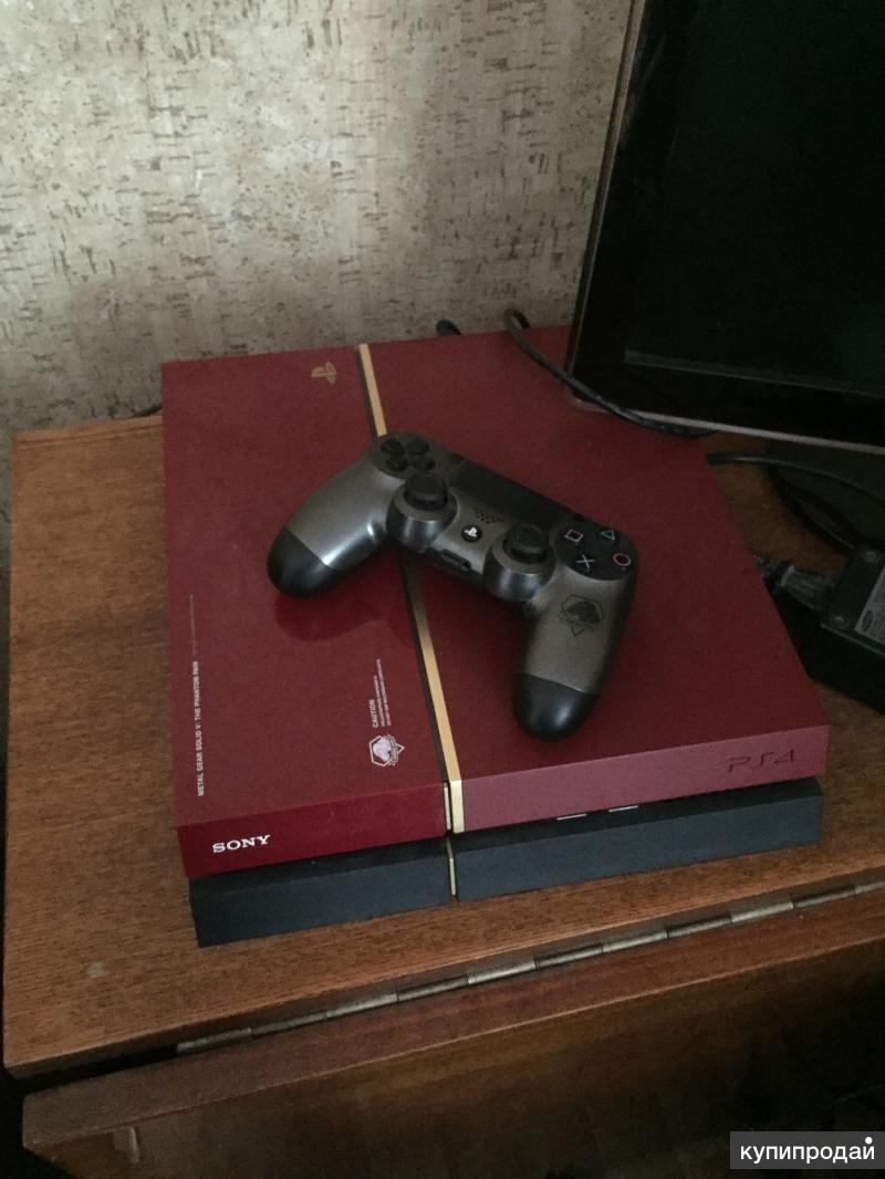 PlayStation 4 red limited editions