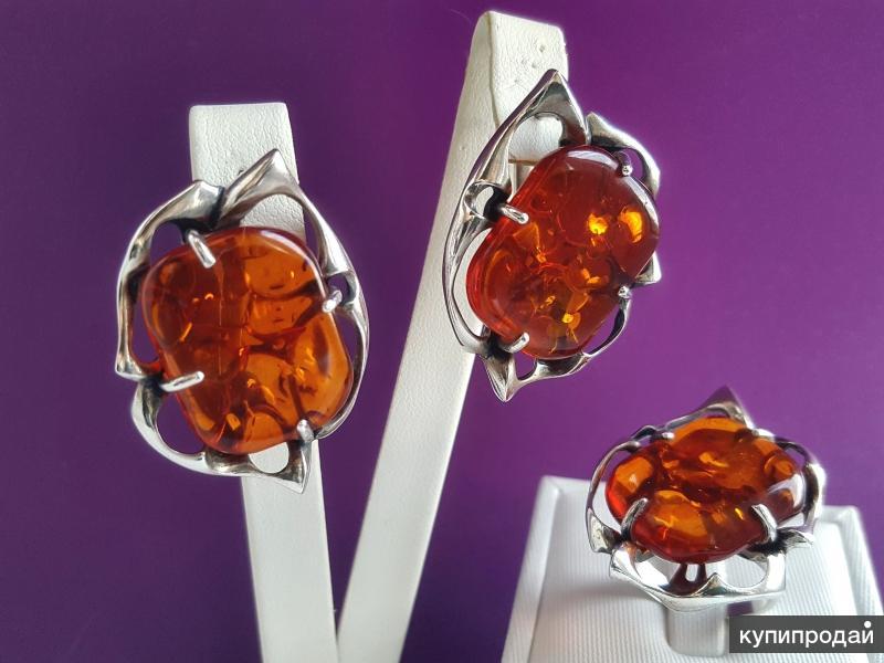 Комплект серебряный с янтарем натуральным медовым