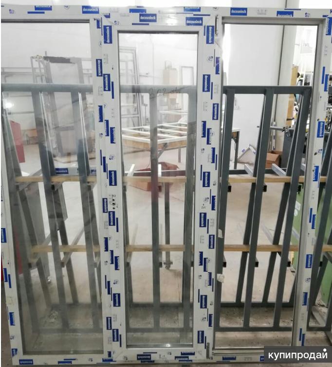 Металлопластиковое  трехстворчатое окно