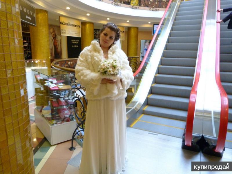 Свадебное платье и шуба
