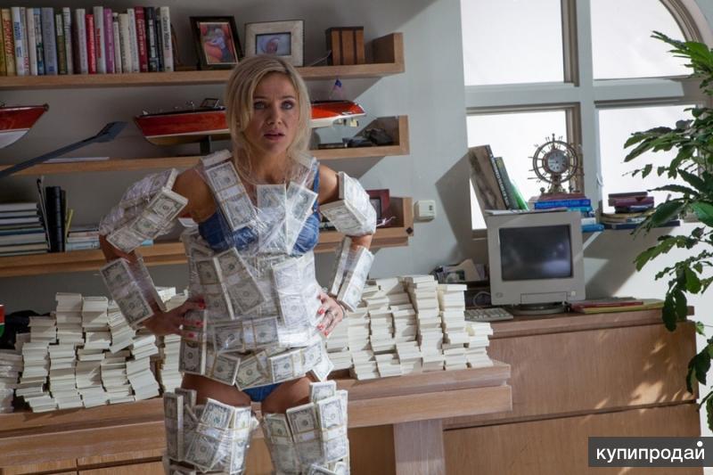 обнажённая девушка с деньгами