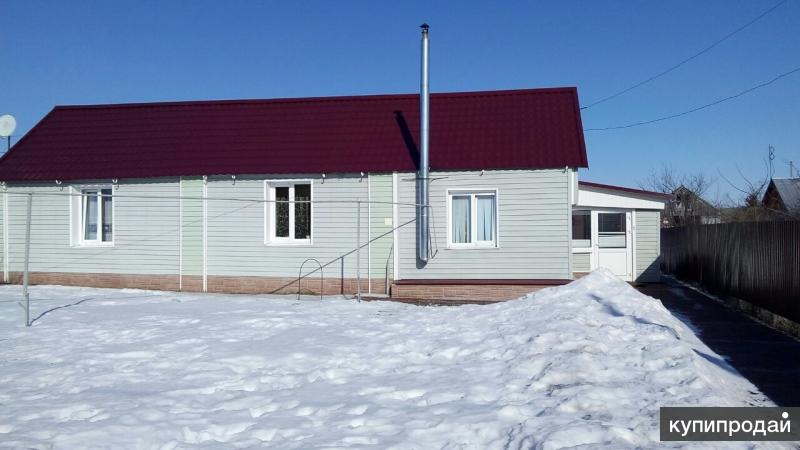 Продаю дом,есть баня,гараж,летняя кухня,теплица