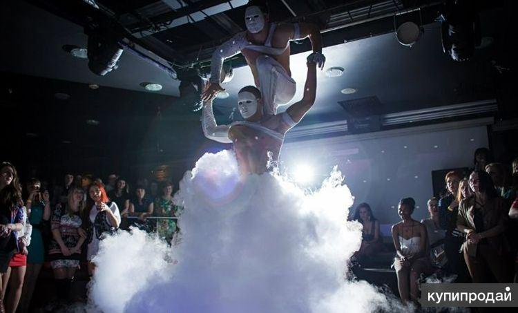 Акробатическое шоу – девушка «Каучук» и «Эквилибр»