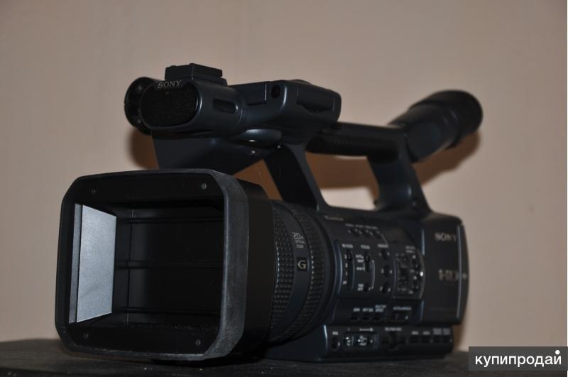 Видеокамера профессиональная в идеальном состоянии
