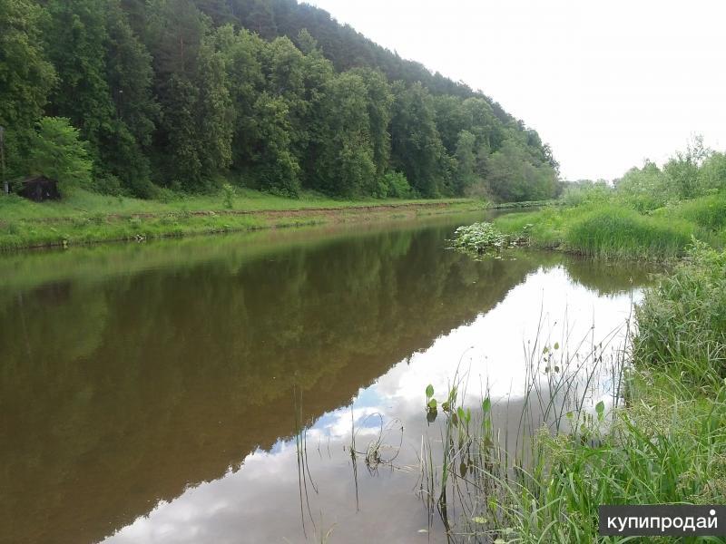 Участок у реки.