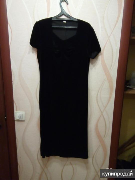 Платье черное однотонное