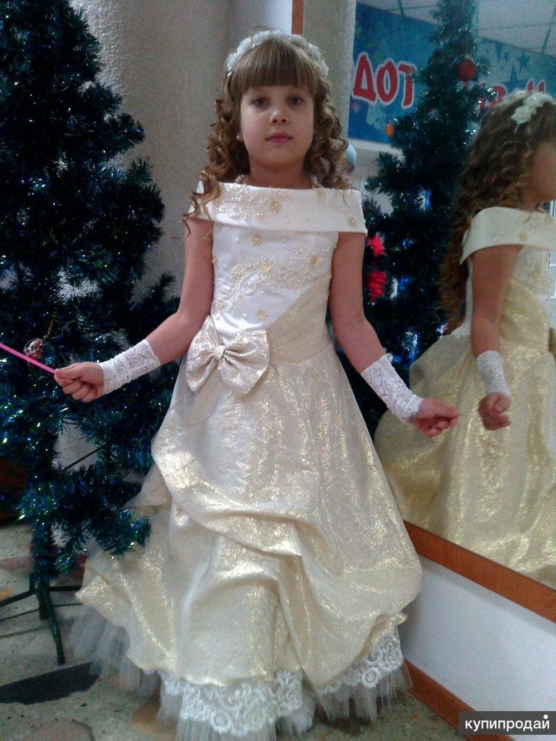 Очень красивое нарядное платье на девочку