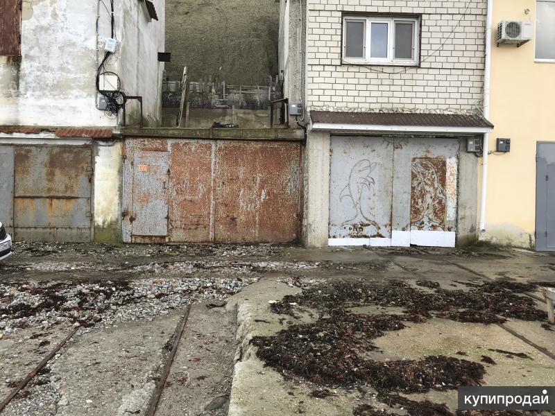 Лодочный гараж-эллинг