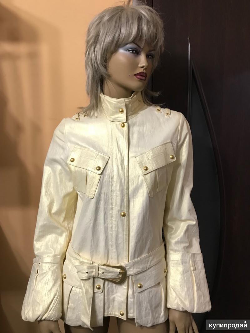 Куртка кожаная, женская, оригинального фасона!
