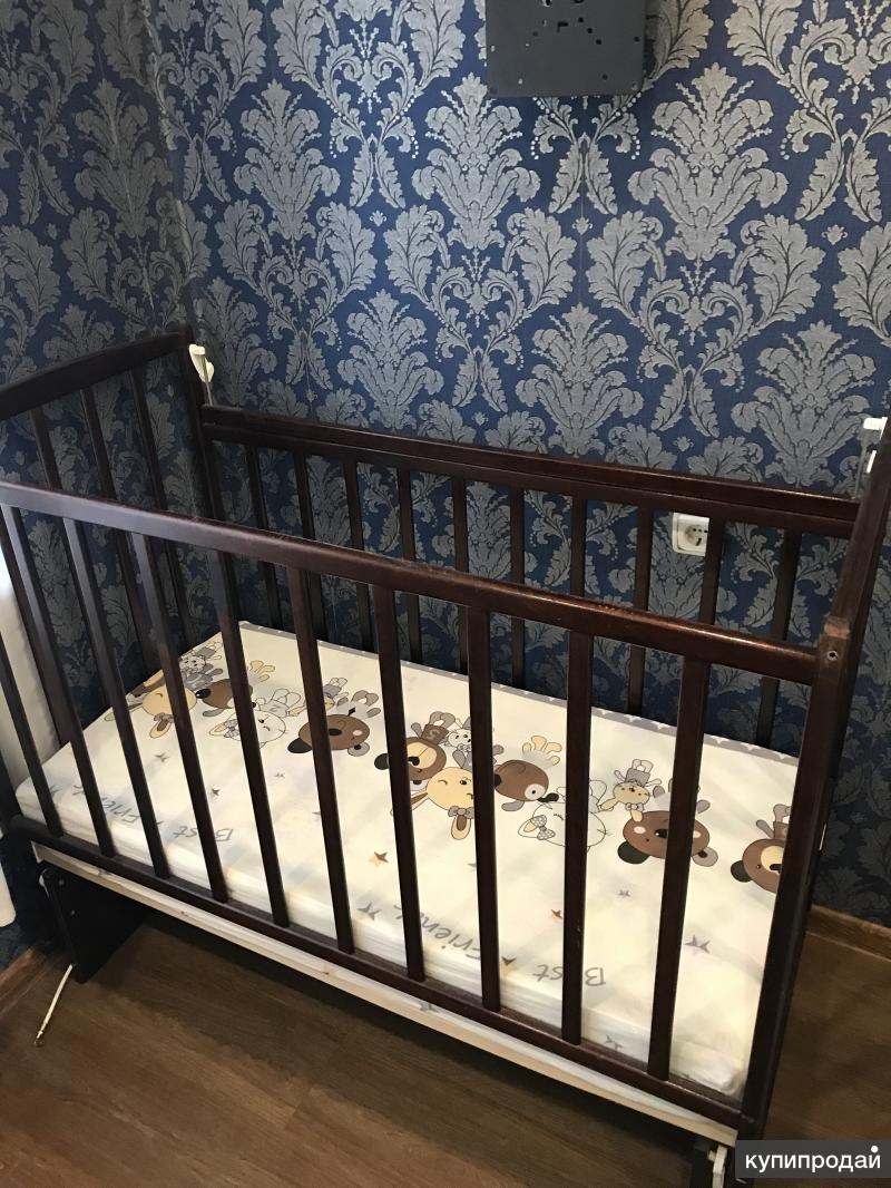 Кроватка маятник детская+матрас+бортики