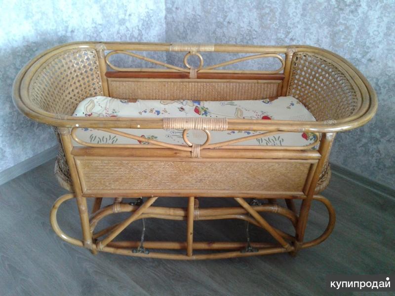 плетеная кроватка-качалка