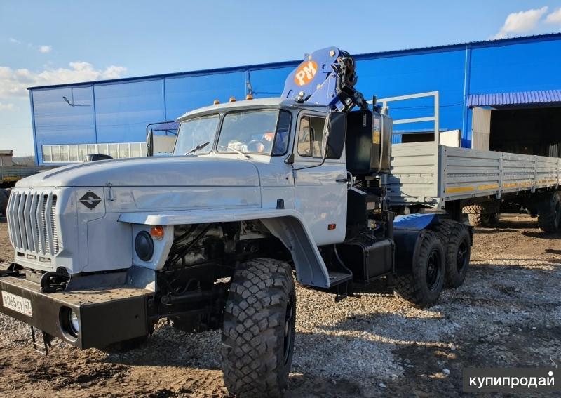 Седельный тягач Урал 4320 с КМУ