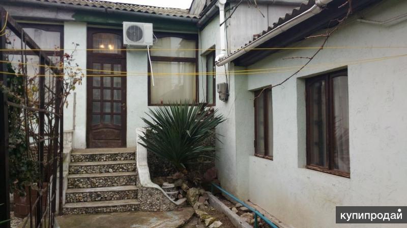 Часть дома в центре с отдельным входом и двором, ул. Керченская(до пл.